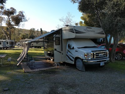 5th wheels have superior towing capabilities compared to motorhomes.